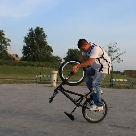 Bicycle Stunt Riding 
